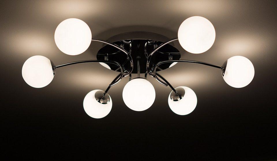 Lámpa házhozszállítással? Szerintem igen.